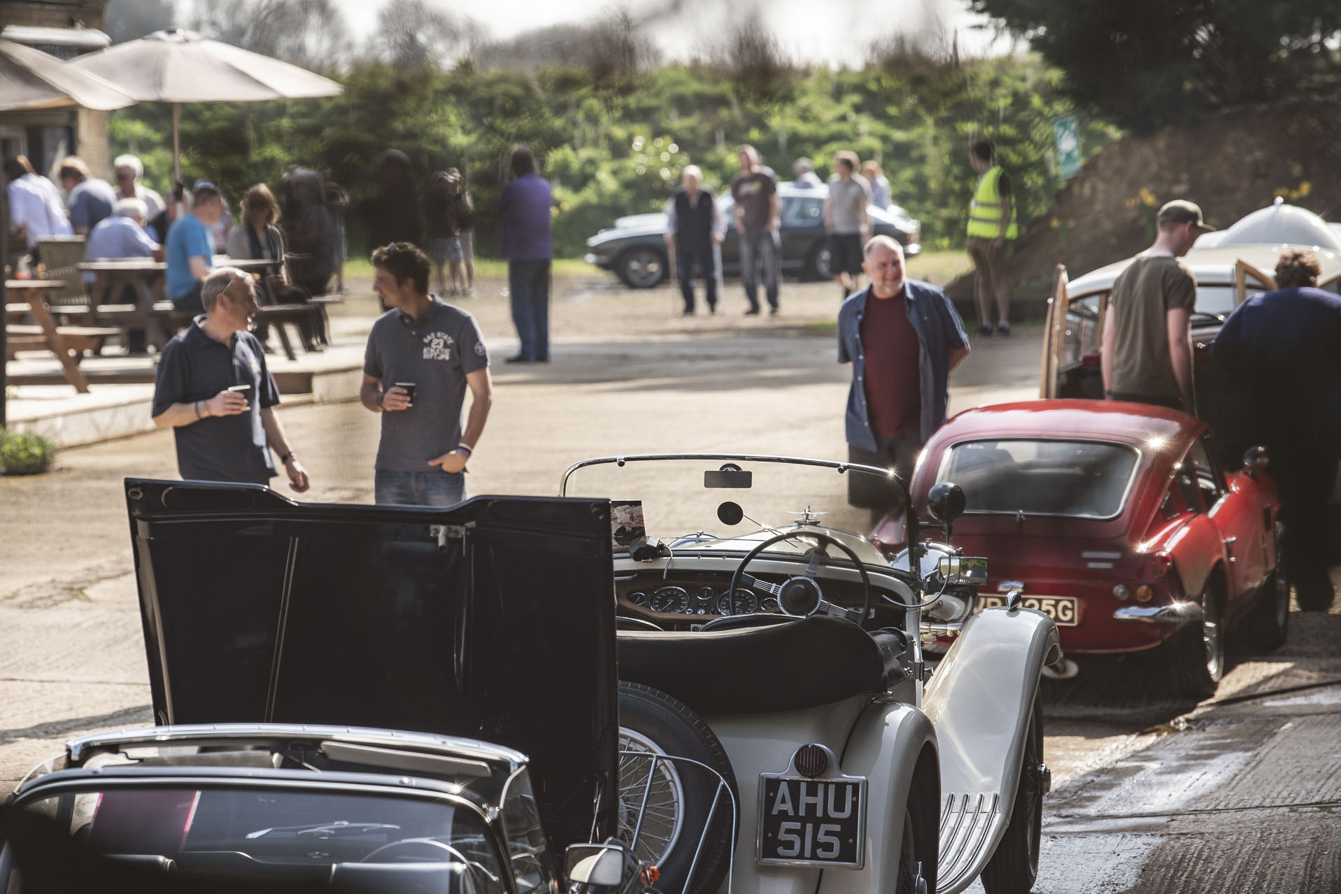 White singer and crowds at Classic Motor Hub