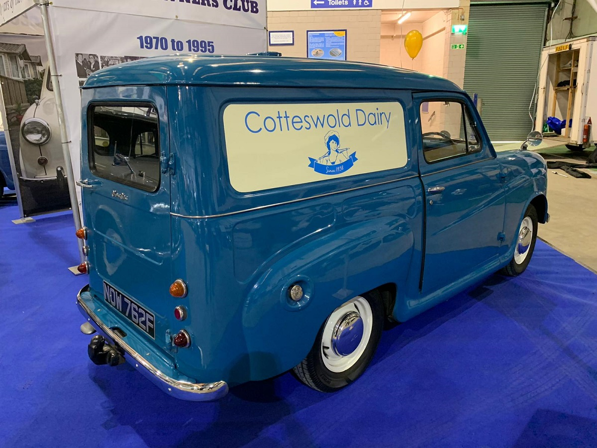 Classic Cotteswold Dairy van